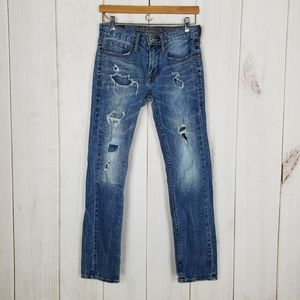 AEO Destroyed Distressed High Waist Mom Jeans - 28